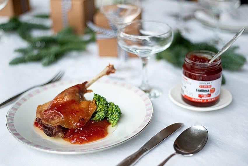 confit de pato con mermelada de tomate