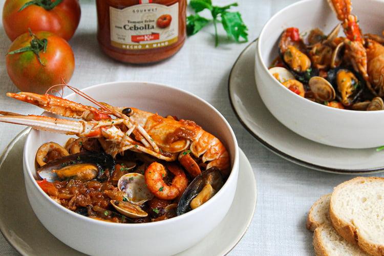 receta cazuela de mariscos tomate cebolla